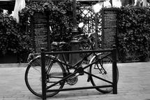 La bicyclette et menus by Lonna Coleman