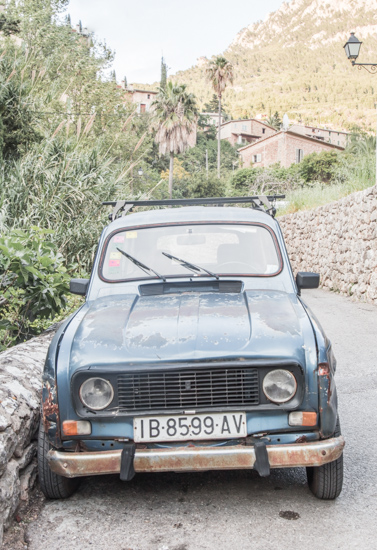 art prints - Renault by 5·2·7 Photo