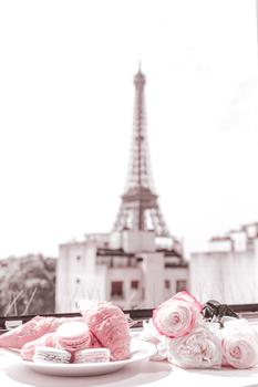 Croissants & Macarons