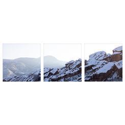 Snow in the Rocks